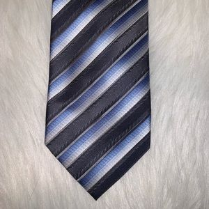 Bill Robinson polyester blue striped tie D